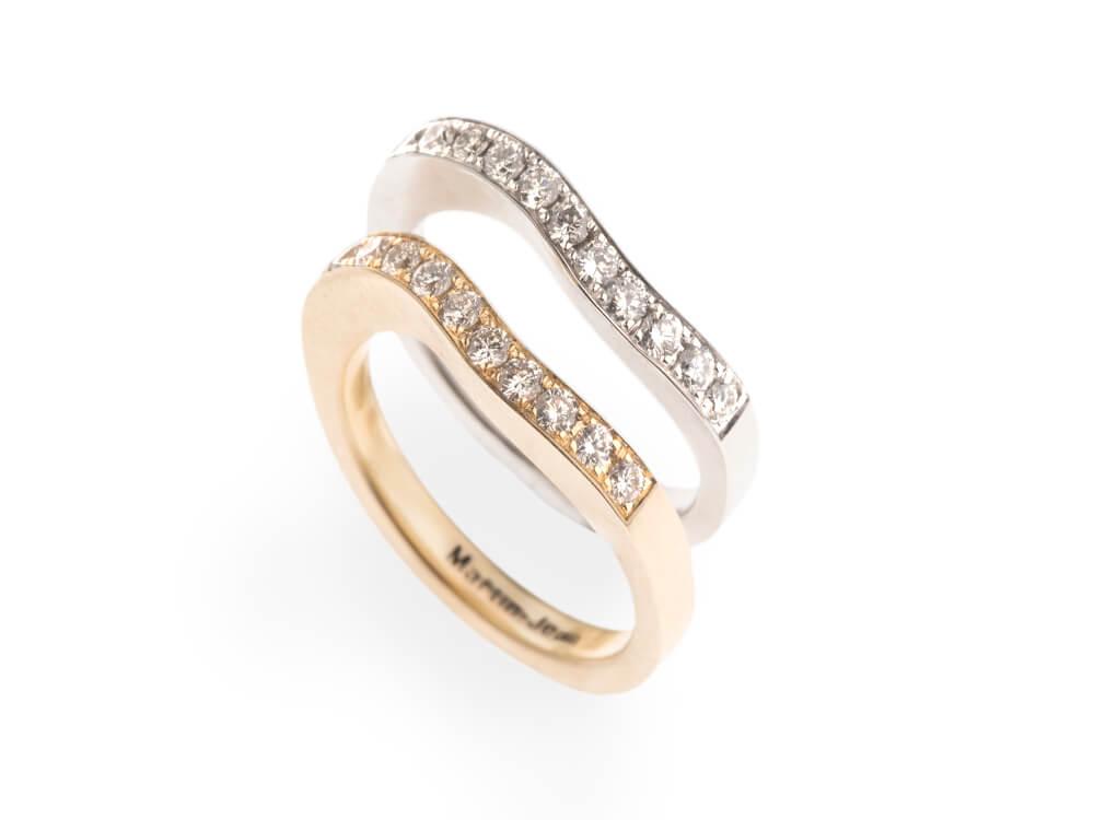 Nieuw 1 - Dubbele Alliance ring gegolfd in geelgoud en witgoud met 11 diamanten per ring
